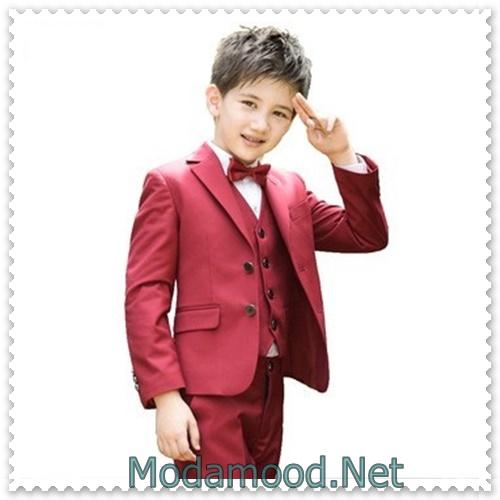 0d3c9ef1bfa00 Siz de çocuğunuzu her ortamda tarz ve stil sahibi bir görünüme ulaştırmak  isterseniz takım elbise kullanımını tercih edebilirsiniz. Etiketler: 2019  Erkek ...
